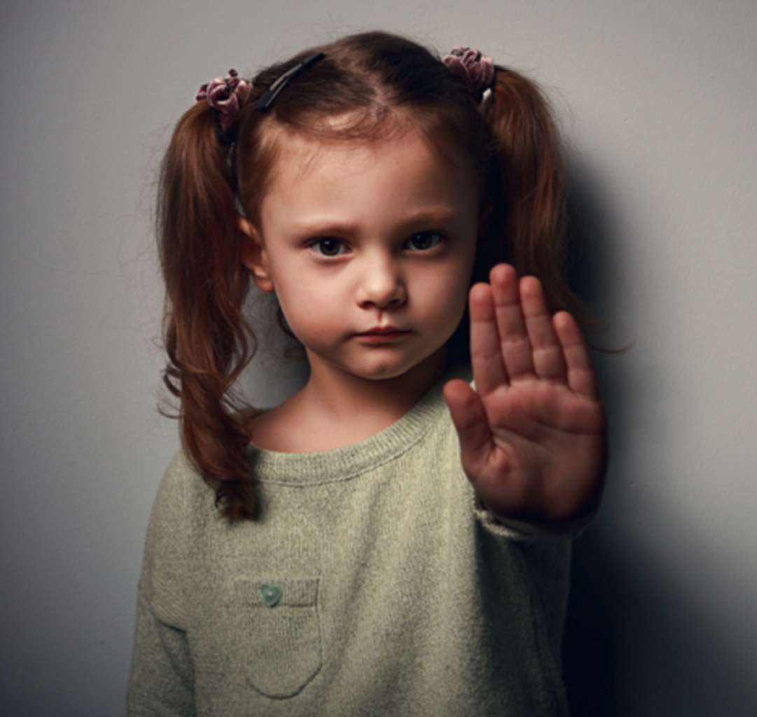 Barn som säger stopp